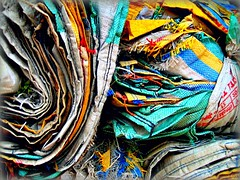 India - Orissa - marzo 2008 (anton.it) Tags: india colours tissue bags colori orissa seams sacchi tessuto cuciture flickraward