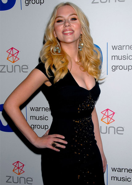 Super sta r- Scarlett Johansson photots tag: american actress scarlett-johansson