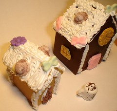 gingerbread houses (elleban26) Tags: house dessert miniatures diy holidays crafts den gingerbread tiny sweets deco