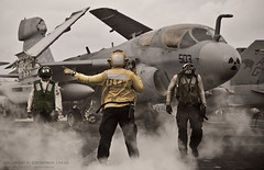 Prowler on the cat ([ neu ]) Tags: usa us war d aircraft military navy nuclear electronic usn uss carrier prowler eisenhower warfare ea6b cvn69 diwght