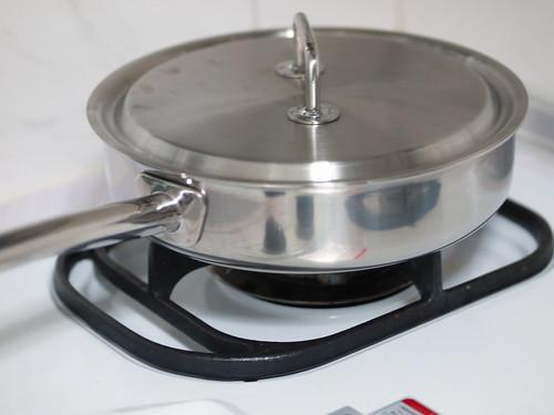 Spring pan