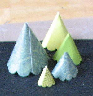 Scallop Tree Ornament 005