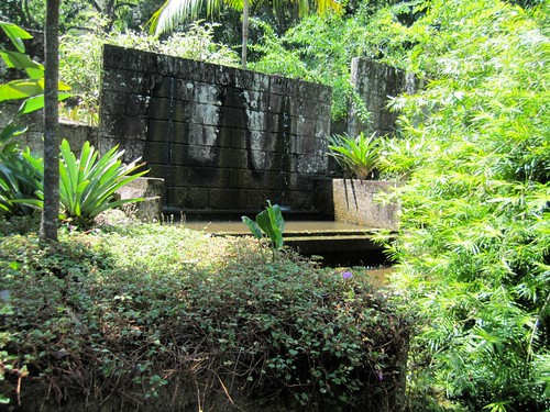 4255527710 4f44f21733 Water Walls of Roberto Burle Marx