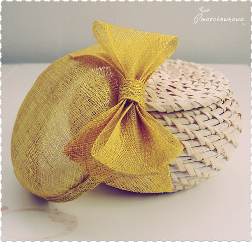 ♥ Handmade sinamay pillbox hat