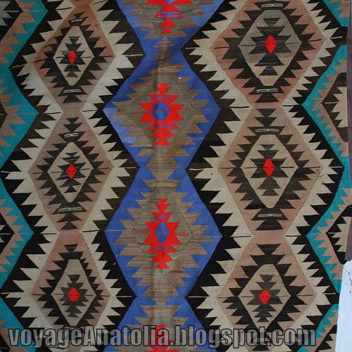 Traditional Turkish Rug Kilim by voyageAnatolia.blogspot.com