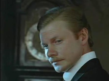 Vitali Solomin como Watson