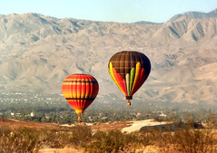 Desert Hot Air Balloons - 35mm scan (Dave Toussaint (www.photographersnature.com)) Tags: california travel vacation usa film nature landscape photo desert minolta 1987 picture photographers scan hotairballoon palmdesert choachellavalley photographersnaturecom davetoussaint davetoussaintcom