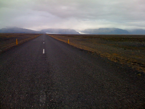 iceland highway to glaciers