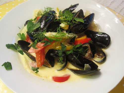 Mussels and Fennel with Saffron Cream Sauce