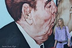 breznev, honecker, frau (Davide Dodo Righi.) Tags: people berlin berg wall canon kreuzberg deutschland kiss paint reichstag ddr frau murales mitte brandenburg trabant germania stasi kgb prenzlauer berlino warschauer breznev honecker exddr takeles sprea