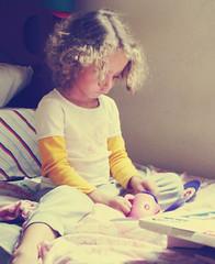 # Child Playing (Carlos Fachini ™) Tags: playing kids toy pessoa brinquedo child sony imagens photograph criança fotografia menina w130