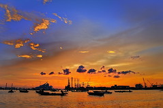 Steel Sunset (Thumbdrive) Tags: sunset singapore shipyard jurong westcoast westcoastpark d300 orangesunset thumbdrive uniquelysingapore jurongisland nikonflickraward singaporenationalparks jurongshipyard