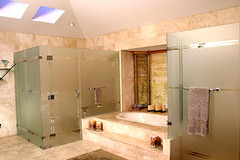 bathroom (alan benchoam) Tags: architecture modern bathroom shower big amazing arquitectura bath guatemala clean huge interiores diseo luxury bao beautifull classy lujo luxurious enorme guatemalteco guatemalteca impactante espacioso