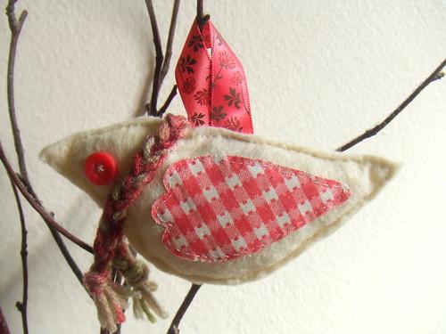 my scarfed bird ornament