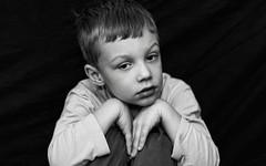 Timotrait Part II (Nicky Nikon / steffographie) Tags: portrait bw black blackwhite nikon shy kind sw schwarzweiss reserved schwarz junge hintergrund sohn schüchtern d300 backround ministudio zurückhaltend