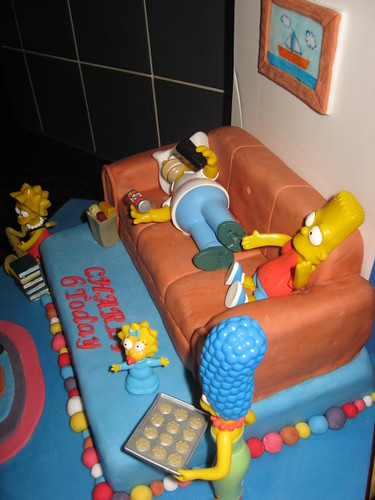 Ths Simpsons Cake