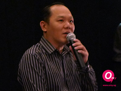 Jack Neo's manager addressing the press before his arrival