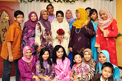 Jijie's Engagement (Aznin Taridi) Tags: family engagement nikon muslim hijab malaysia gathering cheerful familyportrait groupshot malay d90