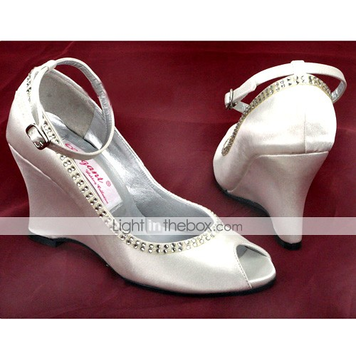 2010's wedding shoes wedge style