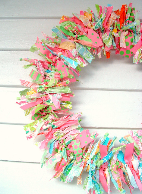 pink blue green wreath cottagestyle wallhanging shabbychic lillypulitzer ragrugs grosgrainribbon ragwreath fabricwreath fabricrags