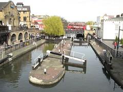 Hampstead Road Lock, Camden Town (Normann) Tags: bridge bus london canal lock camden regentscanal grandunioncanal hampsteadroadlock