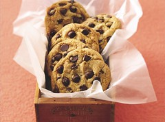 Extraordinary Chocolate Chip Cookies (Betty Crocker Recipes) Tags: food brown cookies recipe dessert cookie sweet chocolate treats rich sugar special delicious snack chip sweets vanilla treat goldmedal savory extraordinary chocolatechips bettycrocker tissuepaper milkchocolate woodenbox semisweet allpurposeflour extraordinarychocolatechipcookies