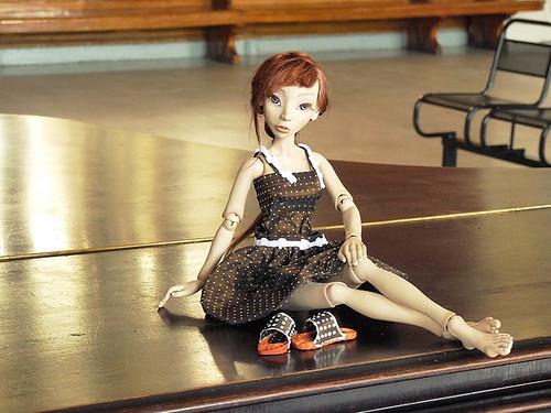 Авторская шарнирная кукла из флюмо