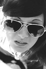 Elena. ♥ ([ ♥ ] R di Rimmel) Tags: bw woman sun white black girl sunglasses canon monocromo donna young bn elena sole bianco nero luce eleonora ragazza occhiali caldo eos350 femmina rimmel giovane