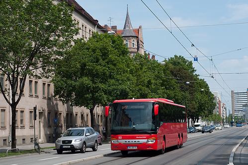 MVV in ungewohnter Farbe: DB Oberbayernbus fährt die Linie 9410 nach Haag, hier als einsetzende Betriebsfahrt