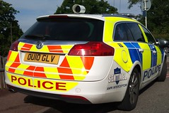 HERTS POLICE VAUXHALL (NW54 LONDON) Tags: leds anpr areacar vauxhallinsignia hertfordshirepolice ou10glv