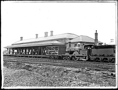 Railway Station, Singleton Number 279, NSW, 18 February 1903 (Cultural Collections, University of Newcastle) Tags: train engine railway australia nsw rails locomotive 1903 singleton z16 z15 ralphsnowball snowballcollection ralphsnowballcollection asgn0805b37 singletonstation singletonrailwaystation dubsco newcastleregionnswhistorypictorialworks photographynewsouthwalesnewcastle railroadsnewsouthwalestrains railroadstationsnewsouthwalessingleton