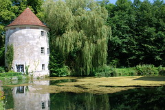La Roque-Baignard, Normandie (Michele*mp) Tags: trees summer france green castle architecture reflections geotagged countryside europe august vert arbres normandie t campagne normandy chteau reflets paysdauge calvados aot dovecot colombier douves abigfave andrgide laroquebaignard geo:lon=0089934 michelemp geo:lat=49172508
