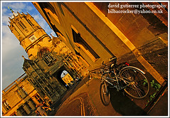 Tilting in Oxford (david gutierrez [ www.davidgutierrez.co.uk ]) Tags: oxford christchurch college colors bike cathedral universityofoxford theunforgettablepictures soe mywinners sony dt 1118mm f4556 sonyalphadt1118mmf4556 sony350dslra350 cities architectural photography metropolis centre center municipality structure edifice geotagged architektur building buildings spectacular impressive sensational 350 photo image cites cityscapes alpha architecture cityscape urban arquitectura city