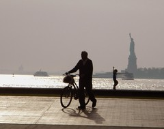 Liberty (leoncillo sabino) Tags: new york city nyc shadow urban bw ny newyork silhouette liberty island libertad freedom manhattan ciudad sombra bn newyorker silueta isla nuevayork nyn