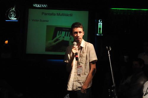 Victor Suarez y sistema de pantalla tactil