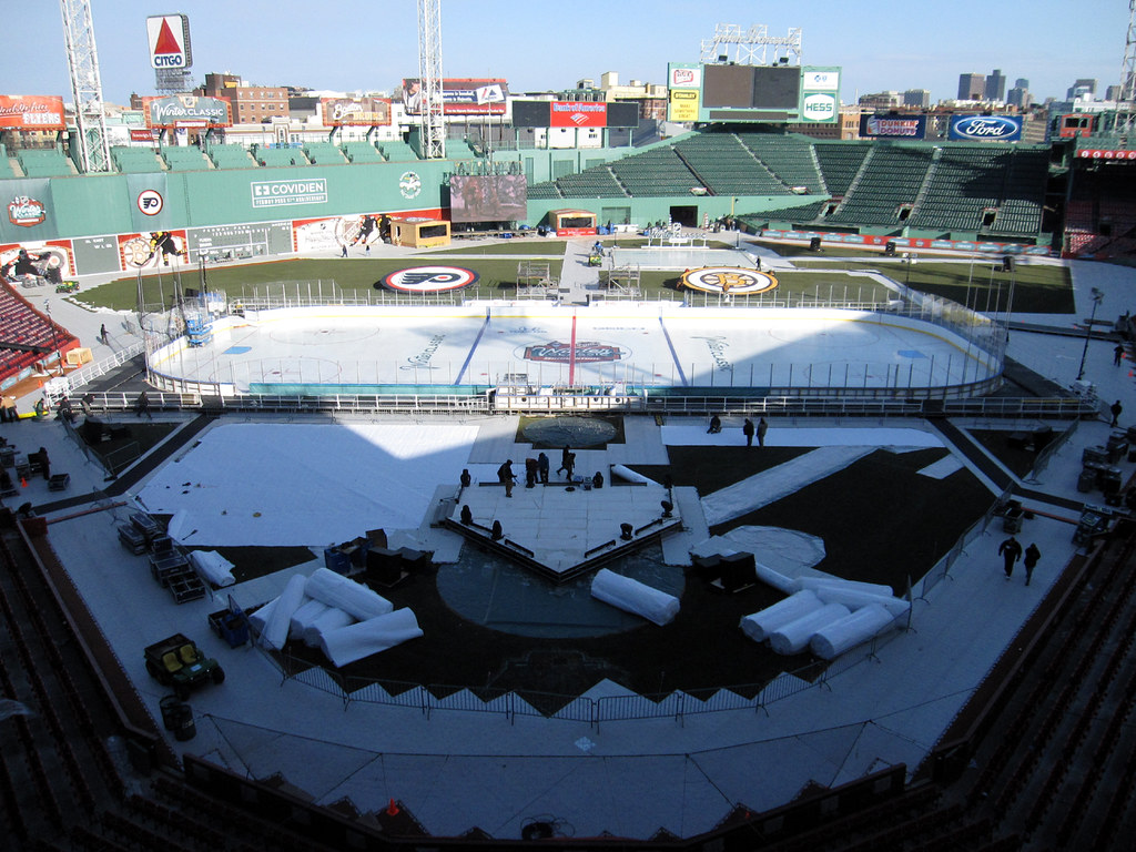 2010 Winter Classic - building the rink 20