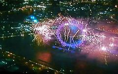 P1140628.JPG 1st Jan 2010: Happy New year London! - La Multi Ani Londra! (londonconstant) Tags: england london londoneye milleniumwheel southbank newyearseve riverthames lambeth happynewyear se1 2010 lamultiani londonconstant se27 costilondra