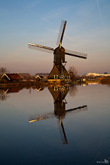 Windmill at sunrise, Kinderdijk (BraCom (Bram)) Tags: fab windmill sunrise reflections mhle unesco historical kinderdijk worldheritage deblokker leuropepittoresque bracom mygearandme mygearandmepremium mygearandmebronze mygearandmesilver mygearandmegold mygearandmeplatinum mygearandmediamond