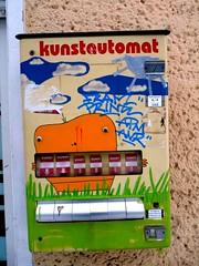 Kunstautomat (Miss Kristiansen) Tags: berlin art vendingmachine february 2010 fschain kunstautomat voigtstr