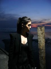 vs. (Mag-gie Goh) Tags: sunset girl seaside modelling blackdress tanjungsepat sonycybershotdscv3
