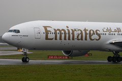 A6-EBL - 32709 - Emirates - Boeing 777-31HER - Manchester - 081126 - Steven Gray - IMG_2765