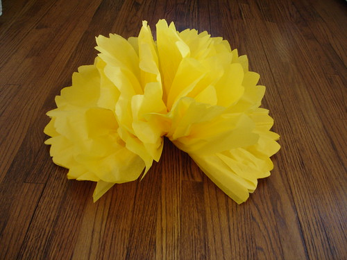 Making Giant Paper Pom-Poms