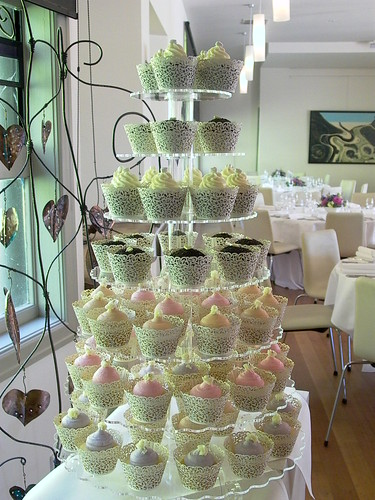 Marie Antoinette Themed Wedding Cupcake Tower Cupcake Central Sheryl