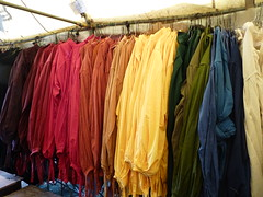 (Julia TortoiseHugger) Tags: oklahoma colors festival clothing rainbow colorful bright roman row medieval norman shirts repetition ok tops renaissance peasant 2010 sorted blouses tunic medievalfair peasanttop reevespark friendlychallenges