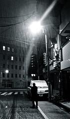 snow patrol (wongyokeseong) Tags: snow japan night point tokyo shoot walk sony 日本 東京 ward sumida pointshoot lawson t200 convenientstore 墨田区 sumidaward 日本国 higashikomagata 東駒形 sonydsct200 dsct200 sonyt200 ローソンストア100台東寿三丁目店