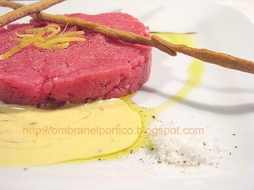 Battuta di fassona e salsa liquirizia-anice stellato