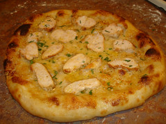 Chicken Alfredo (whysarah) Tags: food pizza alfredo chickenalfredo alfredosauce chickenalfredopizza