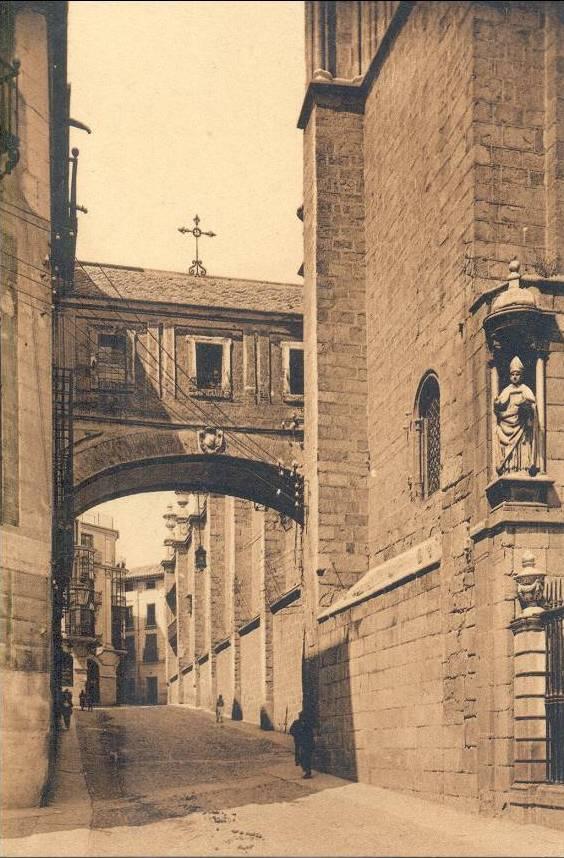 Arco de Palacio a comienzos del siglo XX