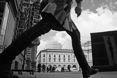 Die Walküre (28) (Donato Buccella / sibemolle) Tags: street blackandwhite bw italy milan milano streetphotography scala lowangle therideofthevalkyries canon400d piazzadellescala sibemolle fotografiastradale wagnermarichardnonlapiazza