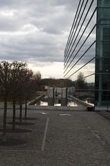 Dresden 09 (icewide77) Tags: vw deutschland dresden glserne manufaktur symmetry phaeton symmetrie
